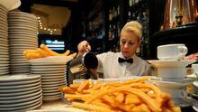 Por qué la industria de los restaurantes tiene altísimas tasas de acoso sexual