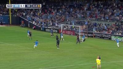 Jesús Medina fusila al portero entre las piernas y empata el partido, NY City 1-1 Vancouver