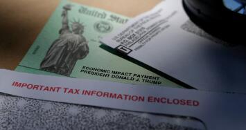 IRS advierte que algunos contribuyentes no recibirán el cheque de estímulo hasta declarar sus impuestos