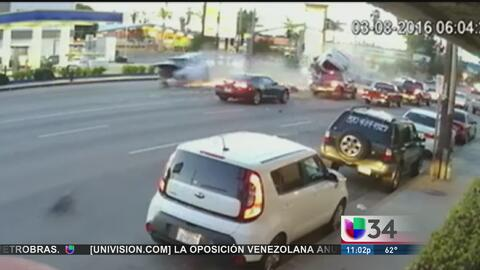 Video del aparatoso accidente en Van Nuys
