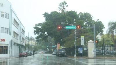 Se quedan en Miami las nubes, la humedad y la posibilidad de chubascos para la noche de este jueves