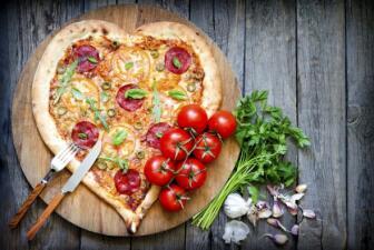 Celebra el día de la pizza