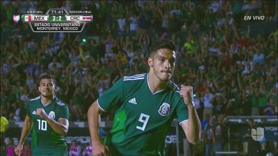 Raúl Jiménez, de penal, engañó a Keylor y marca el 3-2 del Tri