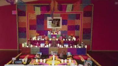 El consulado de México en San Antonio dedica su altar de Día de Muertos a los niños migrantes