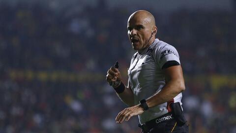 Francisco Chacón será suspendido tras Clásico Nacional en la Copa MX