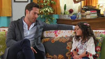 Sebastián Rulli reacciona como un papá celoso con una pregunta que le hicieron a su hija postiza