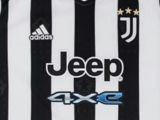 Juventus presentó su nueva playera con 'CR7' y McKennie de protagonistas