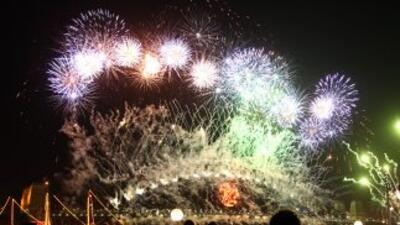 Millones en todo el mundo festejan llegada del 2011