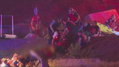 Muere bombero del equipo de buzos mientras intentaba rescatar a un hombre en el Río Chicago