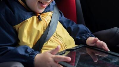 Una niña de 3 años muere tras golpearse la cabeza con una tablet en un accidente de tráfico