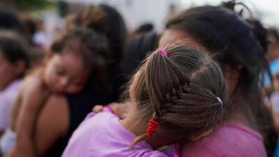 Una mujer llegó a la frontera embarazada con contracciones. Según su abogada, la enviaron a México tras contenerle el parto