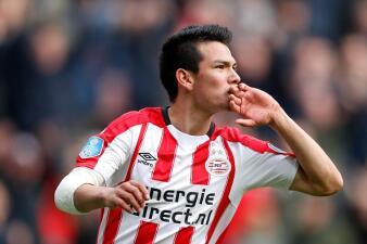 """Con gol del """"Chucky"""" Lozano, PSV gana y es líder en la Eredivisie"""