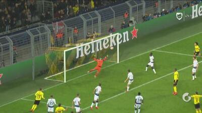 El Dortmund sigue apedreando el arco pero Lloris se está rifando