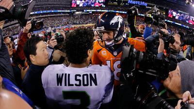 Russell Wilson dedica emotiva carta a Peyton Manning