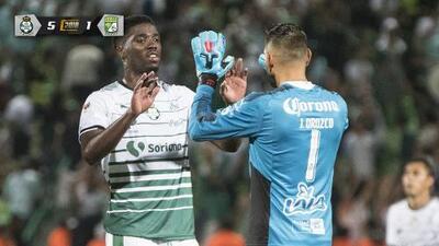 Con un Djaniny de ensueño, Santos destrozó a León
