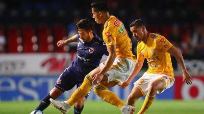 """Dueñas elogió a Venegas: """"No es fácil jugar en un equipo lleno de figuras"""""""