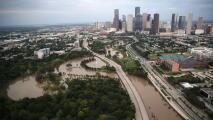 """""""No lo podemos aceptar"""": exigen en el área de Houston fondos negados para la recuperación por el paso de Harvey"""