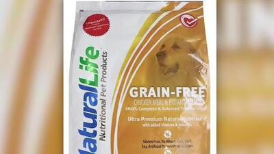 Esta comida para perros podría poner en riesgo la vida de tu mascota