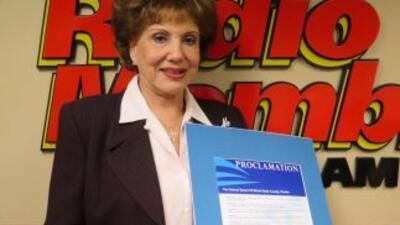 Otro galardón para Martha Flores, la Reina de la Noche de la radio miamense