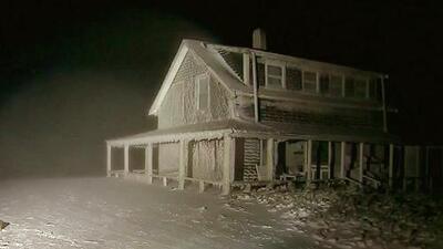 Una casa quedó congelada en Massachusetts después de la potente tormenta invernal