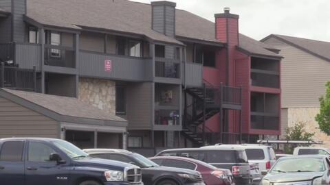 Abrió la puerta de su apartamento y un hombre la atacó sexualmente