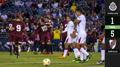 El debut de Oribe y nada más: River Plate vapuleó a Chivas