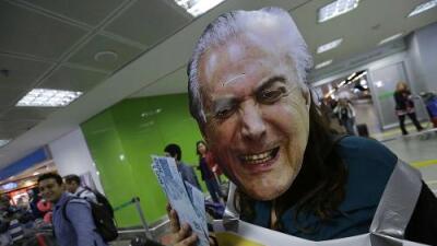El presidente brasileño se libra de juicio penal y logra salvar su mandato