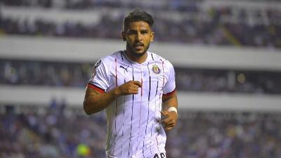 Una baja más para Chivas, Miguel Ponce se encuentra lesionado