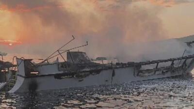 Continúan buscando a 26 desaparecidos tras incendio de un bote cerca de la isla de Santa Cruz