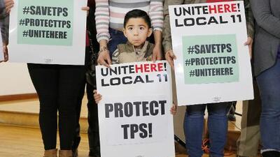 Este viernes se acaba el plazo para que el gobierno decida sobre el TPS de Honduras: estas son sus implicaciones