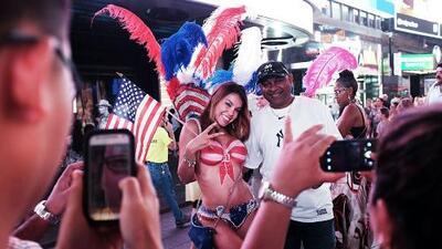 ¿Las 'desnudas' de Times Square siguen desafiando las reglas de la ciudad?