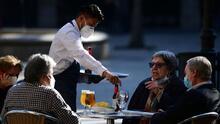 Realizan una feria de trabajo en Chicago para personas interesadas en laborar en restaurantes