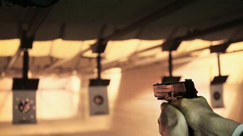 Maestros en Ennis, Texas, reciben entrenamiento con armas de fuego