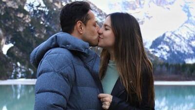 ¿Sus últimas vacaciones solos? 'Chicharito' y su esposa de traviesos en Italia