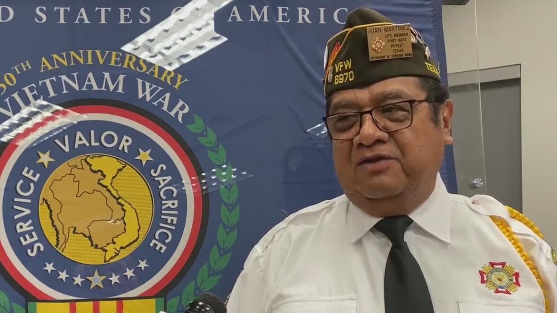 Colegio Palo Alto realiza ceremonia en honor a veteranos de San Antonio - Univision