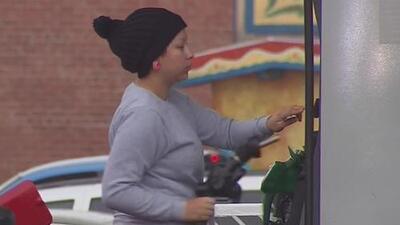 Baja el precio de la gasolina tras el paso de los huracanes en el Golfo