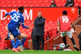 Manchester United es derrotado en Old Trafford ante el Leicester City con marcador de 2-1, durante la Jornada 36 de la Premier League. Luke Thomas abrió marcador a favor de los Foxes, pero Mason Greenwood empató a favor del local. Fue hasta el minuto 65 cuando Caglar Soyuncu puso arriba al equipo visitante.