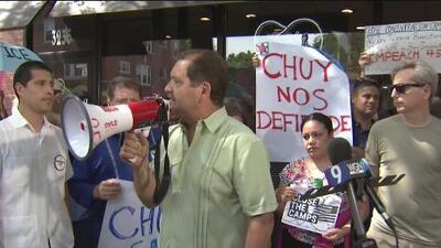 Grupos proinmigrantes de Chicago piden el cierre de los centros de detención
