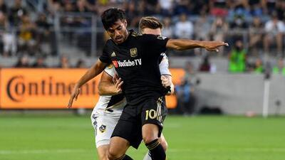 """Con Jona bromeando y Vela hablando de """"miedo"""" en su equipo, terminó el duelo de mexicanos en LAFC vs LA Galaxy"""