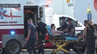 Autoridades detienen a un camión que transportaba más de 80 inmigrantes por la I-10 de San Antonio