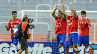 Chile venció a Colombia  y Perú sueña tras tumbar a Ecuador