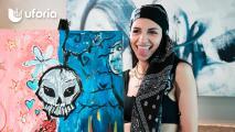 Con un lado lindo y otro oscuro: Así expresa Cazzu su personalidad artística en una pintura hecha por sí misma