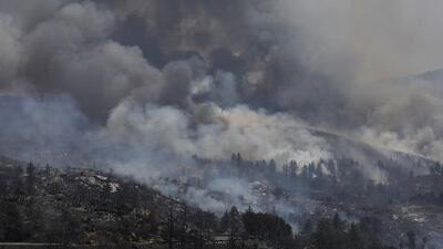 Gobernador de California declara estado de emergencia por incendios forestales en los condados de Riverside y Shasta