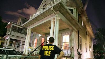 ICE reanuda redadas de inmigrantes en Texas y Florida tras suspensión por paso de huracanes