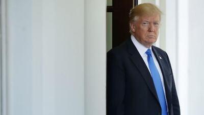 Esta sería la razón de Trump para exigir seguro médico a quienes soliciten visa de inmigrante, según experta