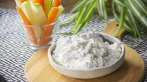 Dip de queso roquefort y frutos secos