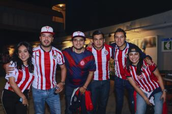 La marea Rojiblanca de Chivas se tomó al Estadio Hidalgo