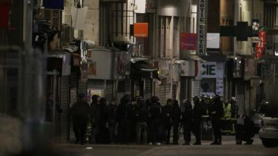 La presunta terrorista Hasna Aitboulahcen no se inmoló, según los medios franceses