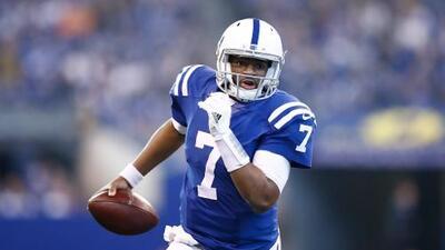 ¿Y Russell Wilson? Seattle ofreció pick de 2da ronda por QB suplente de Colts