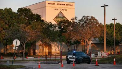 Arrestan a tres estudiantes de la secundaria Marjory Stoneman Douglas en Parkland tras la masacre
